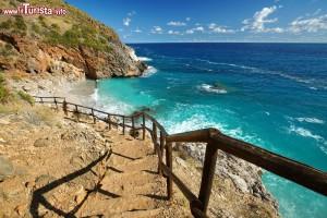 il_sentiero_costiero_della_riserva_naturale_orientata_dello_zingaro